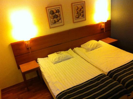 Scandic Crown: Room 540, bed
