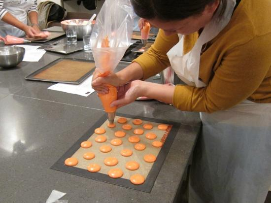 Piping picture of la cuisine paris cooking classes - La cuisine cooking classes ...