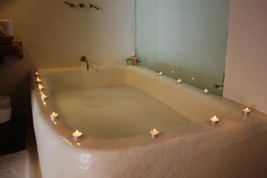 Alfiz Hotel : Enjoy a relaxing bath in an unique ambience
