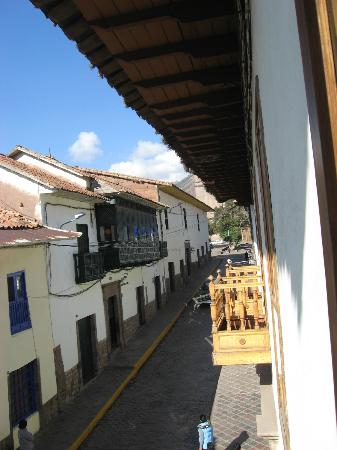 BEST WESTERN Los Andes De America: second floor room facing street