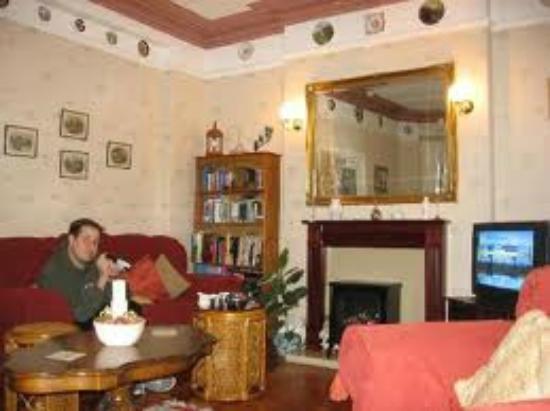 Alba Hostel Glasgow: TV lounge