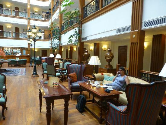 The Oberoi Cecil, Shimla: Hotel lounge
