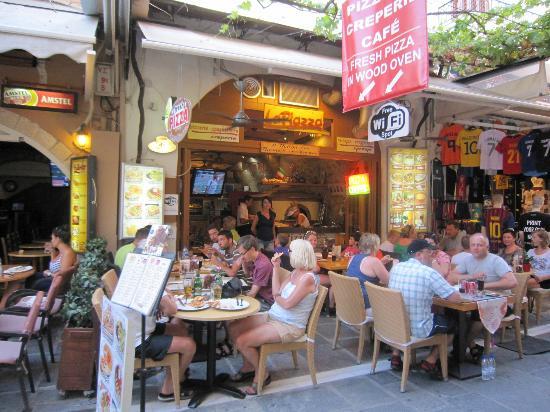 La Piazza Pizzeria : Summer 2012