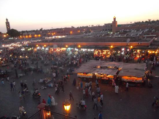 Hostel Riad Marrakech Rouge: Sunset in Djemaa el-Fna