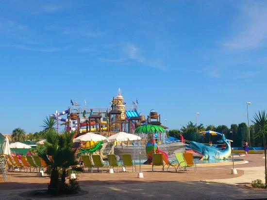 Sirenis Seaview Country Club: Waterpark