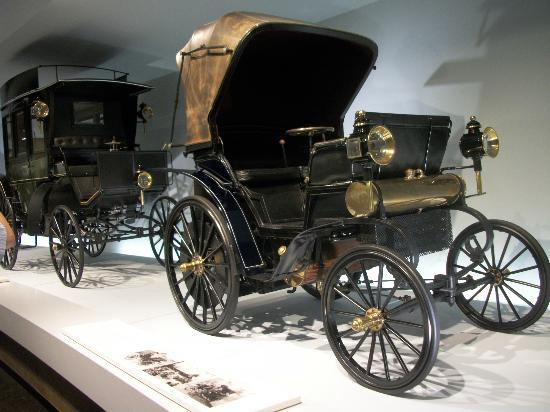 La prime auto picture of mercedes benz museum stuttgart for Prime mercedes benz of westwood