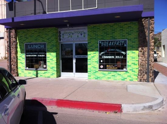 Dora's Beale Street Deli : Dora's deli in Kingman, Arizona