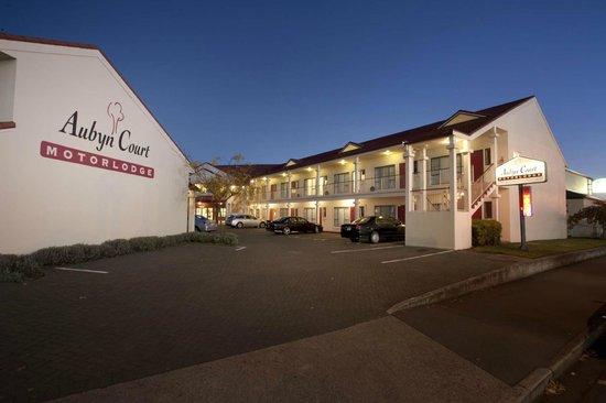 Aubyn Court Spa Motel : Aubyn Court Exterior