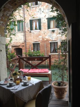 Alla Vite Dorata: breathtaking breakfast view