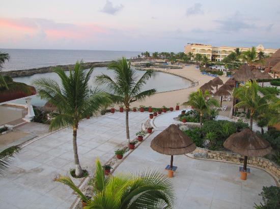 Heaven at the Hard Rock Hotel Riviera Maya: Cove side lagoon