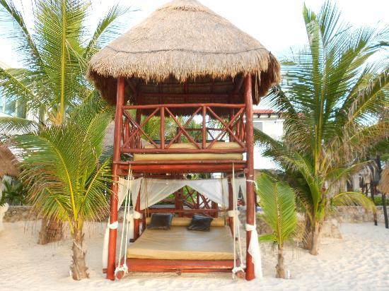 Hidden Beach Resort by Karisma: palapa
