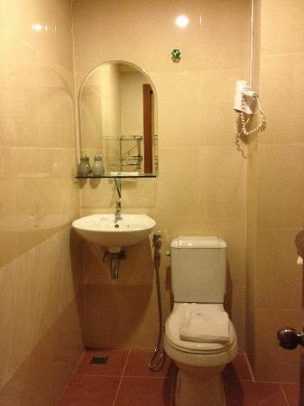 MotherHome Guesthouse: Bathroom