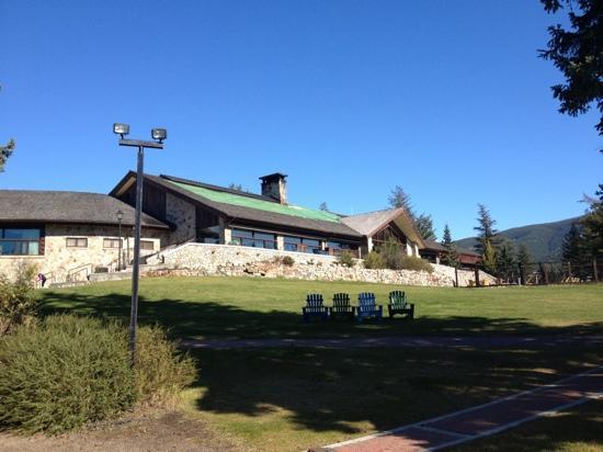 Fairmont Jasper Park Lodge: main lodge