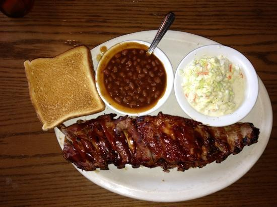 Oakwood Smokehouse & Grill: Baby Back Ribs with baked beans, coleslaw and Texas toast