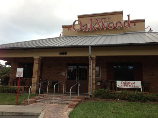 Oakwood Smokehouse & Grill: Leesburg, Florida location