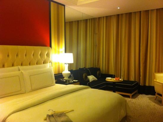 The Trans Luxury Hotel Bandung: the room