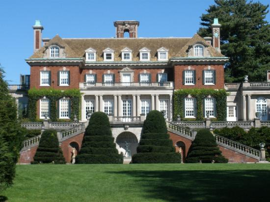 Long Island Gold Coast Mansion Tours
