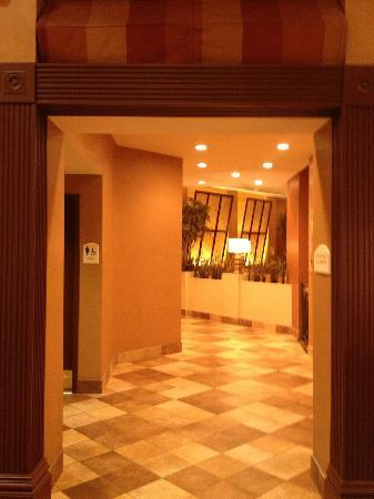 Crowne Plaza Houston River Oaks : Lobby area