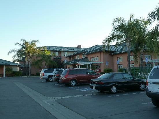 Residence Inn Santa Clarita Valencia: Exterior of the R.I. @ Santa Clarita/Valencia