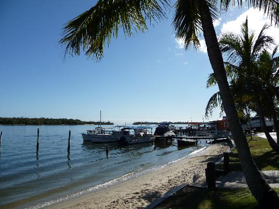 Noosa Outrigger Beach Resort: Noosa River - early morning