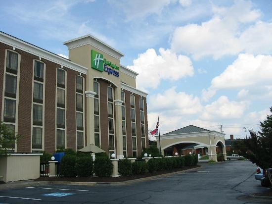 Holiday Inn Express Winston-Salem Downtown West: Exterior
