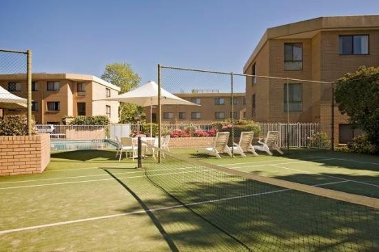 Kingston Court Apartments: TENNIS COURT