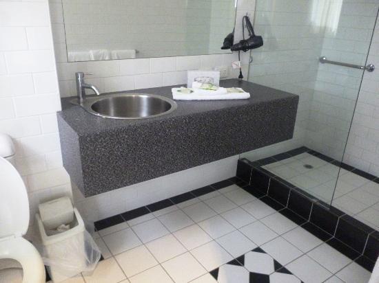 Best Western Geelong Motor Inn & Apartments: Bathroom
