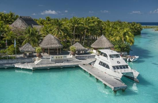 The St. Regis Bora Bora Resort : Arrival Dock
