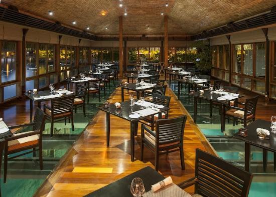 The St. Regis Bora Bora Resort : Lagoon Restaurant