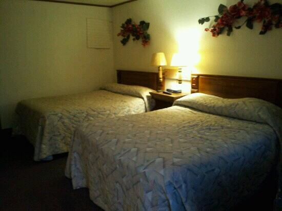 Donnellson, IA: Double beds