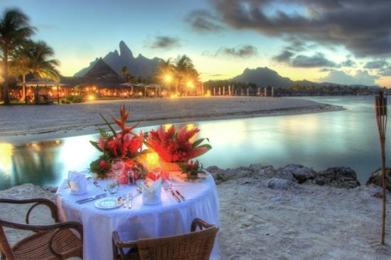 The St. Regis Bora Bora Resort: Romantic Beach