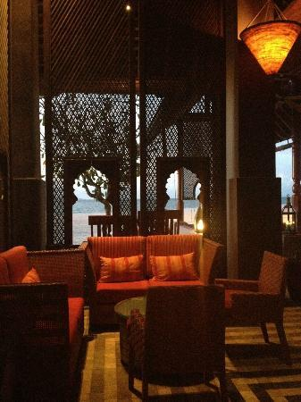 Four Seasons Resort Langkawi, Malaysia: Bar Lounch sur la plage