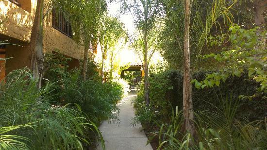 Hotel Zico: Entrance
