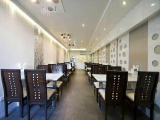 Hotel Central Residency: the restaurant