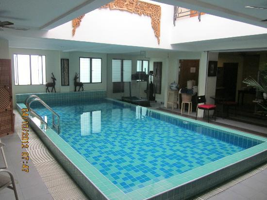 The Boutique Residence Hotel: pool and morning breakfast area