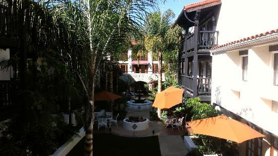 Best Western Plus Carpinteria Inn: Courtyard