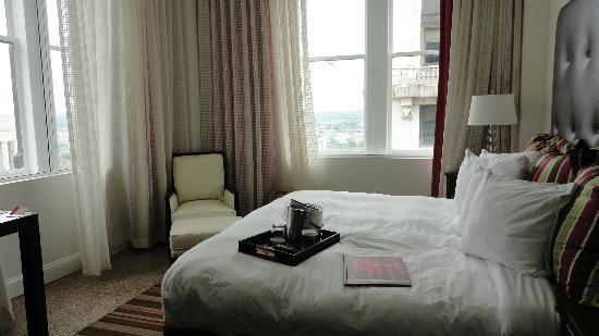 Hotel Indigo Nashville: Room