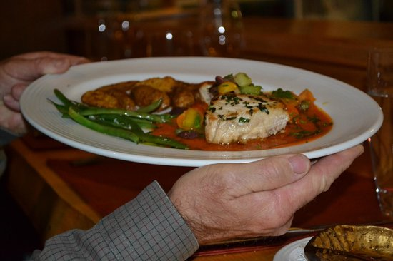 Ariana's Restaurant: Swordfish with roasted sweet potatoes