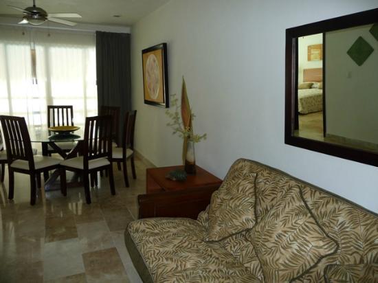 Coral Maya: Dining Room