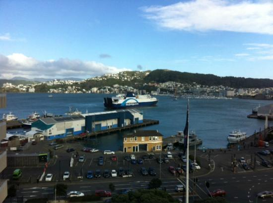 Rydges Wellington: Harbour View room (View)
