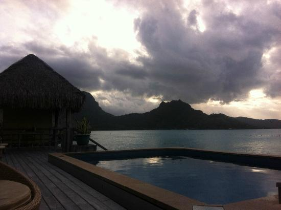 The St. Regis Bora Bora Resort: best sunsets