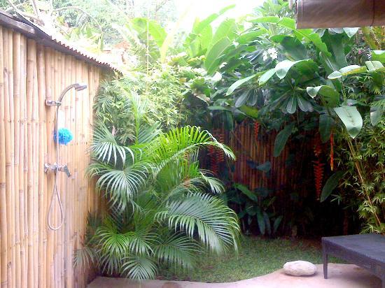 Casa Mia BnB Bali Seminyak: Open Shower