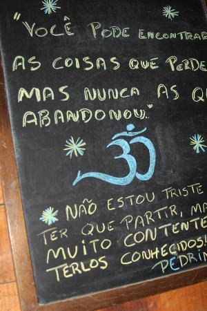 Frases Escritas Nas Paredes Do Bar Foto De Borges Y