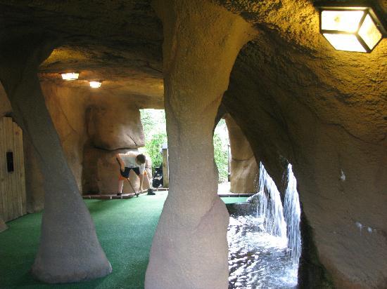 Pirate's Cove Miniature Golf: Pirate's cave
