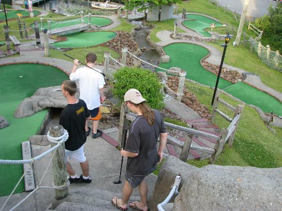 Pirate's Cove Miniature Golf: Coming down off the Pirate Mountain