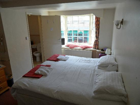 The Gillygate: Room 4