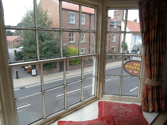 The Gillygate: Bay view of room. Double decker tour bus eye level.