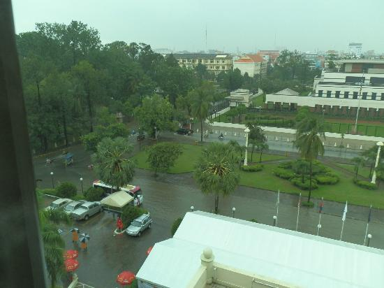 Sunway Hotel Phnom Penh: the tents in the parking lot for oktoberfest....