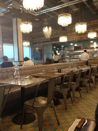 Jamie's Italian: dining area