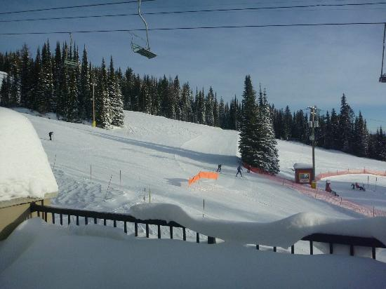 Snowbird Lodge: Main run from Balcony